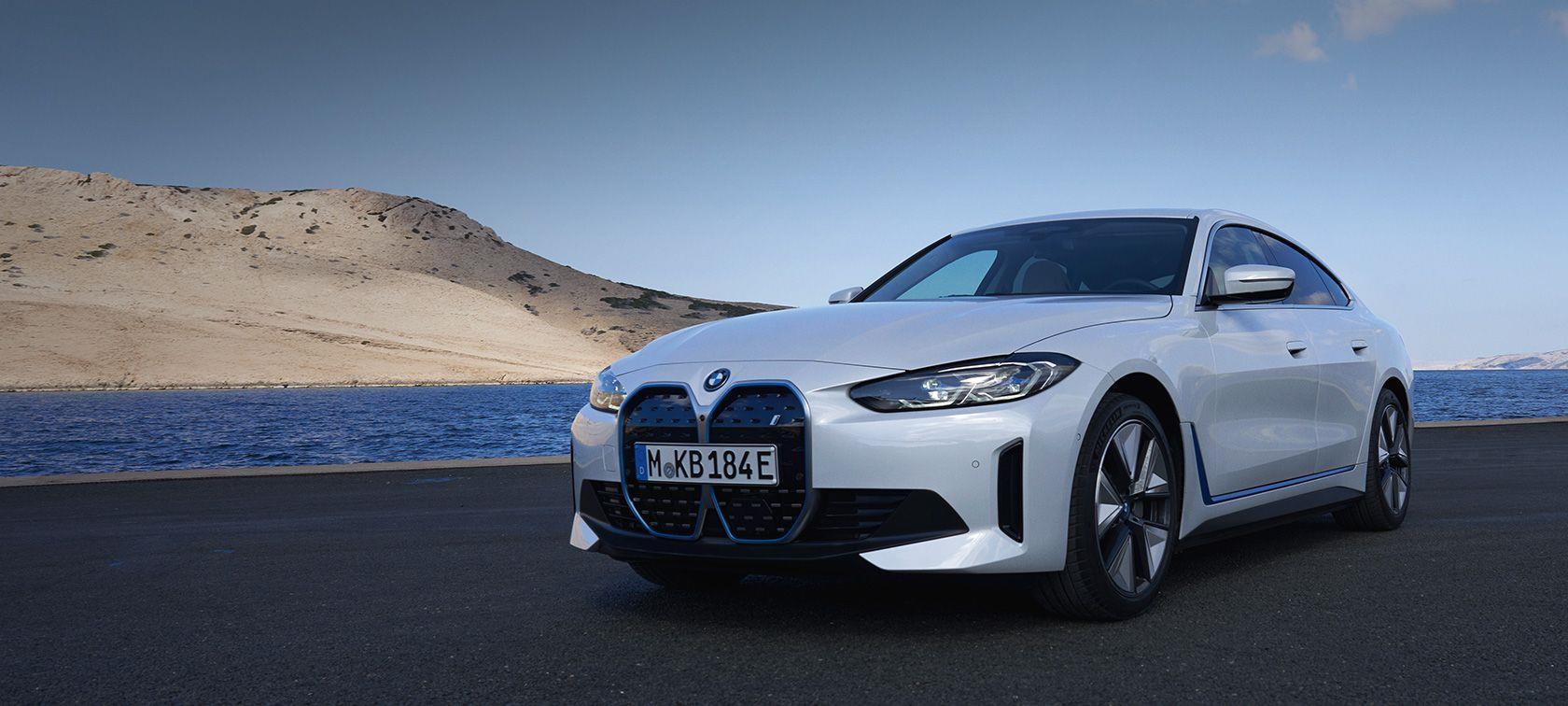 YENİ BMW i4